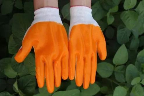 劳保手套解决褪色的方法及注意事项